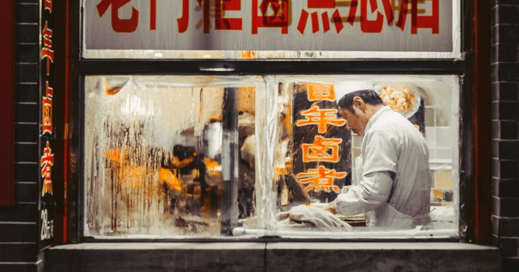 Prohíben en China vender y comer perros, gatos y murciélagos tras coronavirus